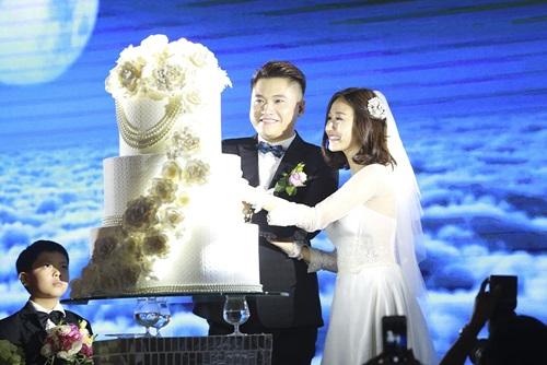 Tuấn Hưng cùng vợ tới mừng đám cưới Vũ Duy Khánh 5