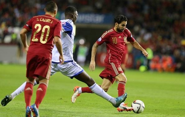 Fabregas sút hỏng 11 mét ngay trước mặt Mourinho 1