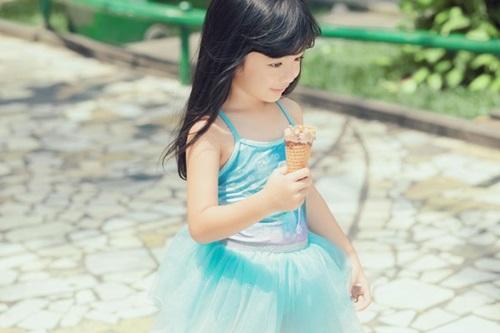 Con gái 5 tuổi xinh như thiên thần của Hoa hậu Ngọc Diễm 9