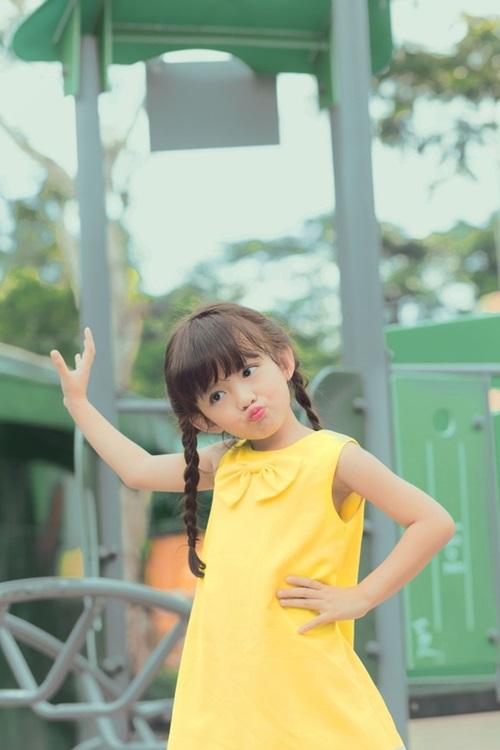 Con gái 5 tuổi xinh như thiên thần của Hoa hậu Ngọc Diễm 2