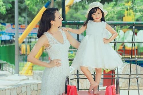 Con gái 5 tuổi xinh như thiên thần của Hoa hậu Ngọc Diễm 6