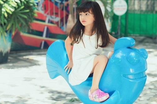 Con gái 5 tuổi xinh như thiên thần của Hoa hậu Ngọc Diễm 7