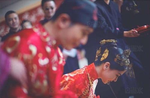 Angela Baby và Huỳnh Hiểu Minh tung bộ ảnh hài hước sau đám cưới 13