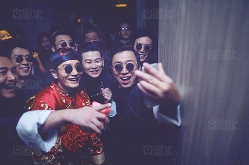 Angela Baby và Huỳnh Hiểu Minh tung bộ ảnh hài hước sau đám cưới 21
