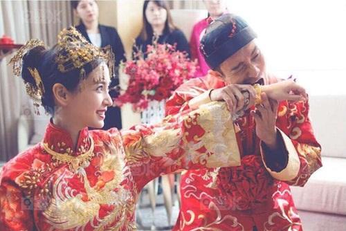 Angela Baby và Huỳnh Hiểu Minh tung bộ ảnh hài hước sau đám cưới 5