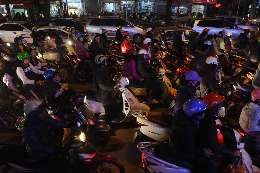 Cảnh tắc đường khủng khiếp ở VN và các nước trên thế giới 13