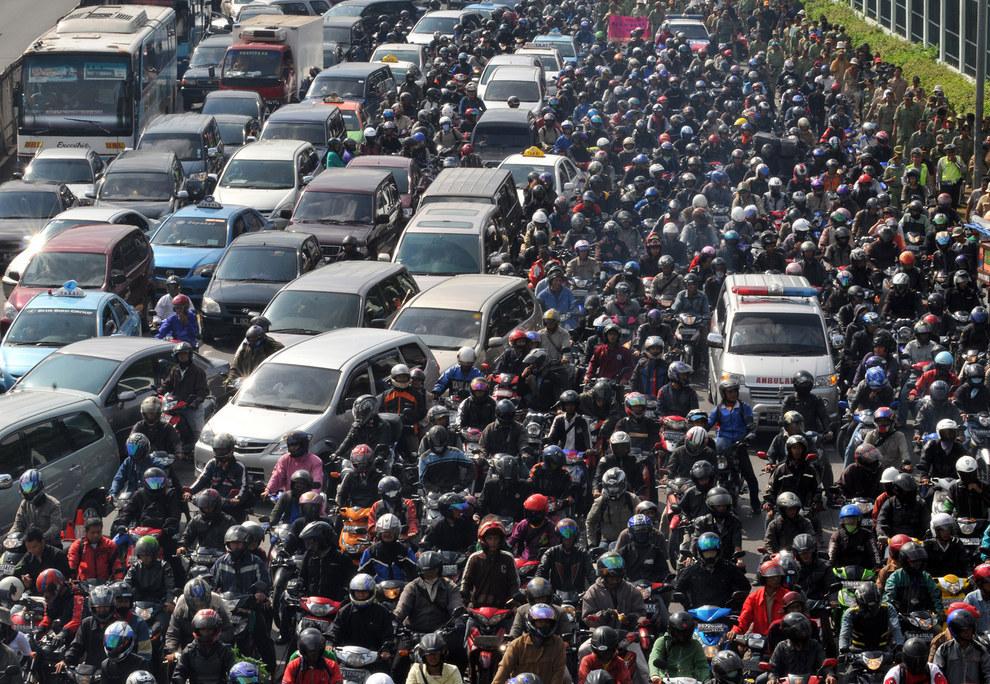 Cảnh tắc đường khủng khiếp ở VN và các nước trên thế giới 2