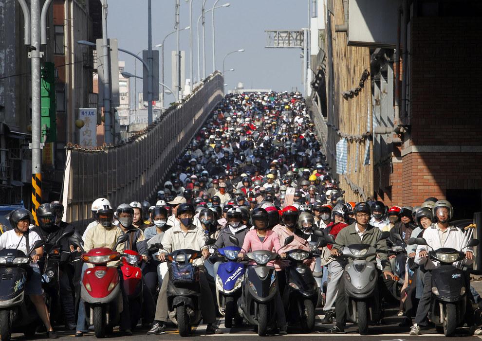 Cảnh tắc đường khủng khiếp ở VN và các nước trên thế giới 3