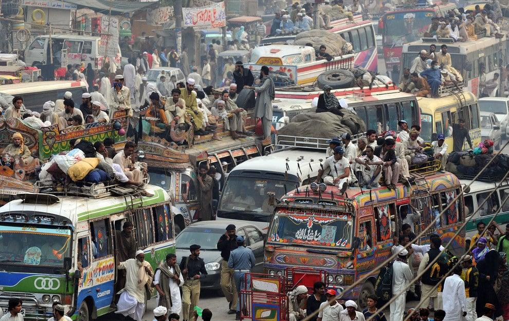Cảnh tắc đường khủng khiếp ở VN và các nước trên thế giới 4