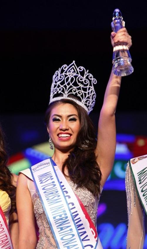 Nhìn lại nhan sắc của Hoa hậu Du lịch Quốc tế Alexis Gomez 4
