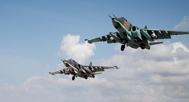 Video: Không quân Nga hủy diệt nguồn cung vũ khí của IS 1