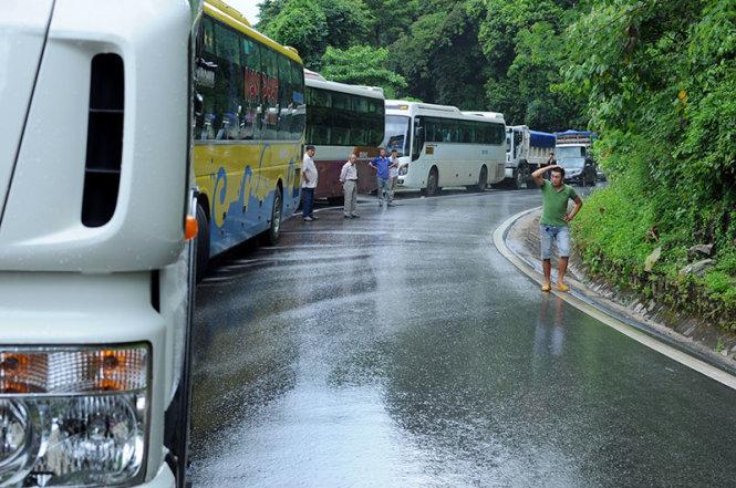Hiện trường vụ tai nạn giao thông nghiêm trọng trên đèo Bảo Lộc 4