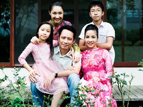 Những bà mẹ đông con và viên mãn nhất showbiz Việt 2