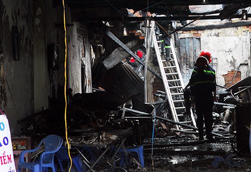 Vụ nổ sập nhà ở Sài Gòn: Người chồng gào khóc gọi tên vợ con 1