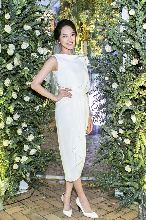 Bảo Anh tự tin khoe dáng giữa vườn hoa hồng lớn nhất Việt Nam 6