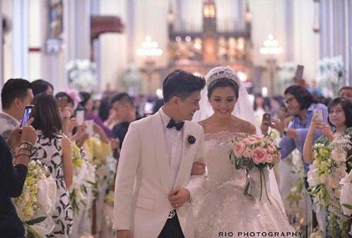 Đám cưới xa hoa, hoành tráng không thua kém Huỳnh Hiểu Minh của diễn viên Indonesia 2