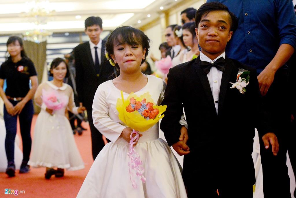 Đám cưới đặc biệt của 40 cặp đôi ở Sài Gòn gây xúc động 2