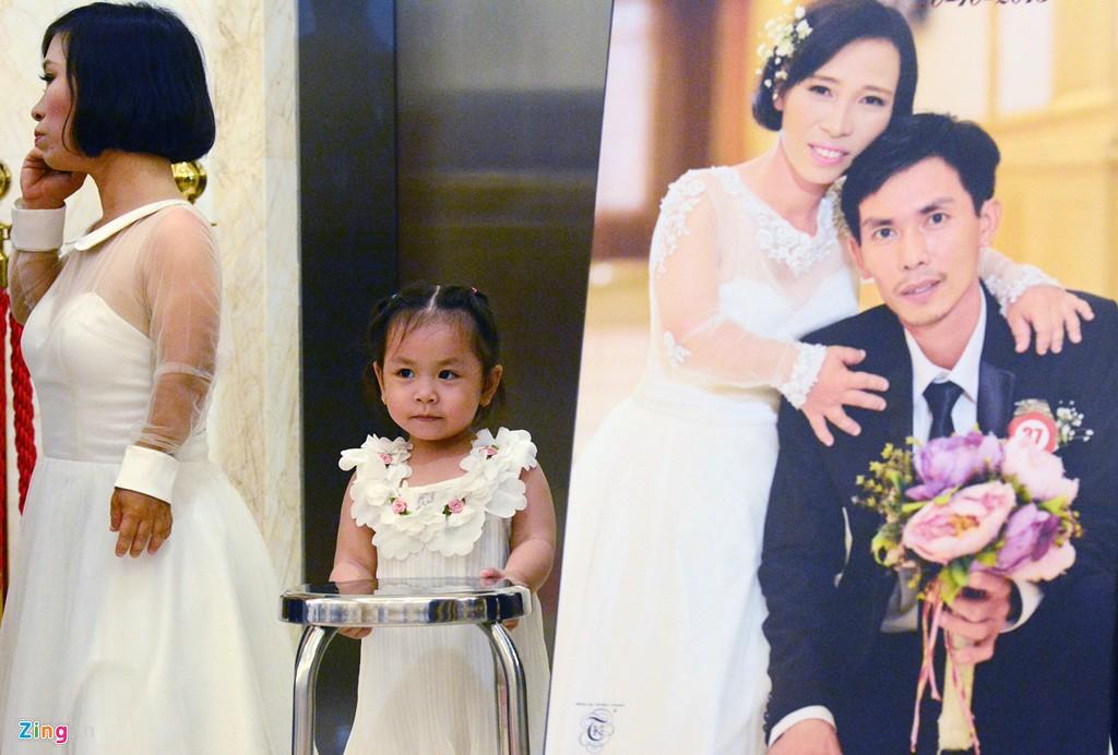 Đám cưới đặc biệt của 40 cặp đôi ở Sài Gòn gây xúc động 4