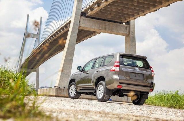 Toyota Land Cruiser Prado 2015 giá 2,192 tỷ đồng tại Việt Nam 2