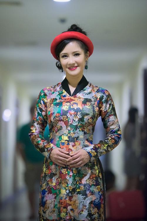 Á hậu Thụy Vân đọ sắc cùng Hồng Nhung tại sự kiện 7