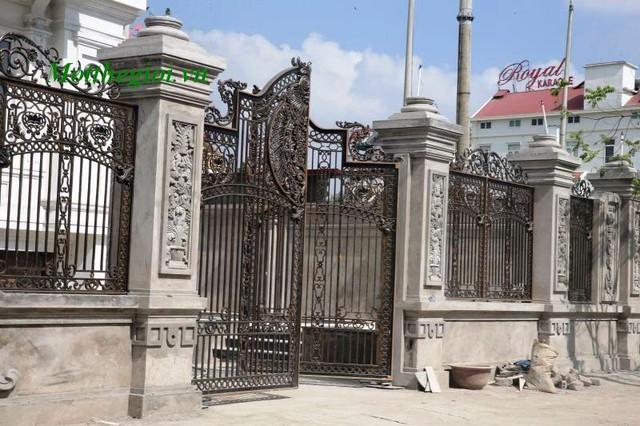 Chiêm ngưỡng hàng cổng đắt giá nhất của đại gia Việt 8