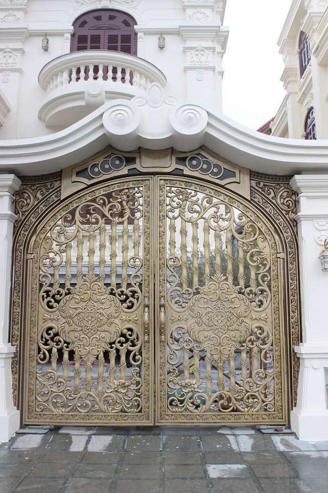Chiêm ngưỡng hàng cổng đắt giá nhất của đại gia Việt 9