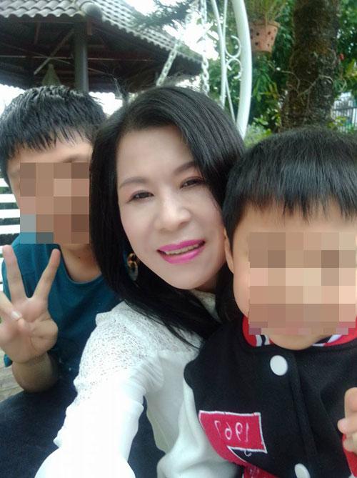 Nữ doanh nhân Hà Linh ngăn cản em gái học tiếng Trung 1