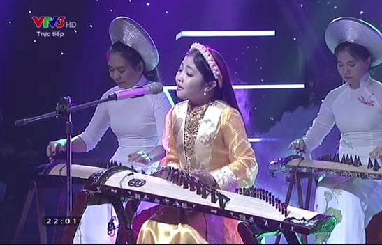 Hồng Minh đội Giang - Hồ giành ngôi vị Quán quân Giọng hát Việt nhí 2015 9