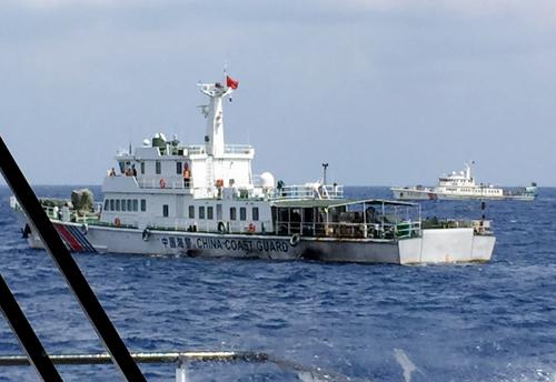 Tàu cứu hộ ngư dân gặp nạn ở Hoàng Sa bị tàu Trung Quốc cản trở 1