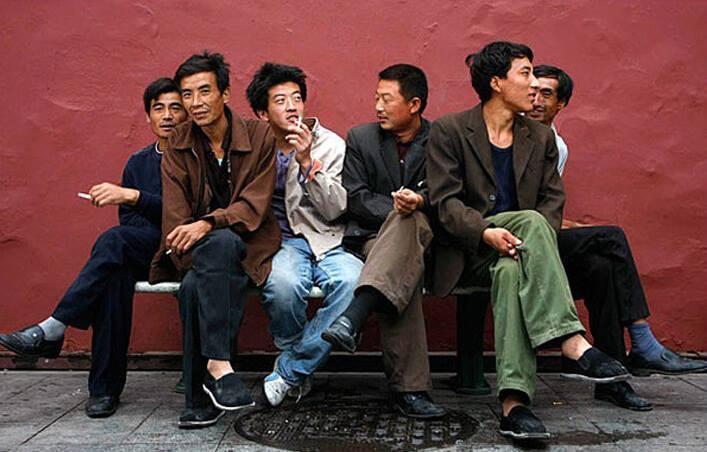 Giáo sư Trung Quốc đề xuất 3 người đàn ông lấy chung 1 vợ 1