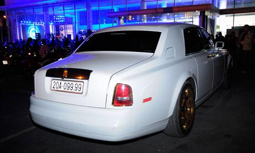 Cặp đôi Rolls-Royce Phantom mạ vàng của đại gia Thái Nguyên  4