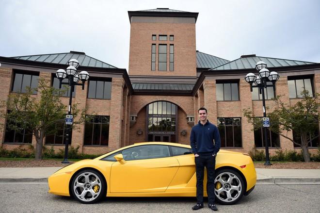 Chàng sinh viên 20 tuổi sở hữu siêu xe Lamborghini 1