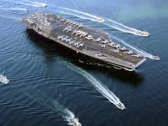 Hai máy bay ném bom Nga áp sát tàu sân bay Mỹ 3