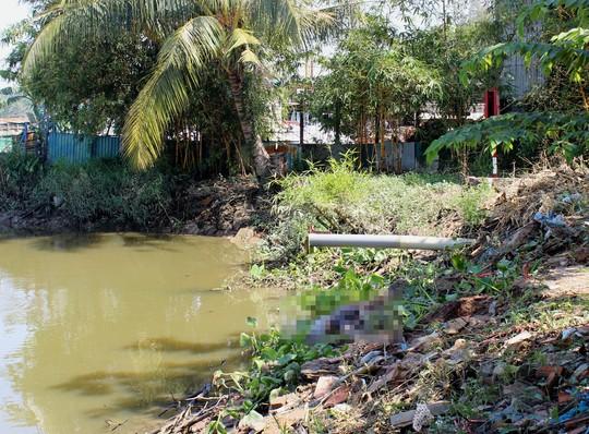 Phát hiện thi thể người đàn ông trôi trên sông Sài Gòn 1