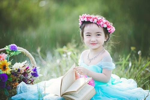 Bé gái 3 tuổi xinh như thiên thần đốn tim dân mạng 2