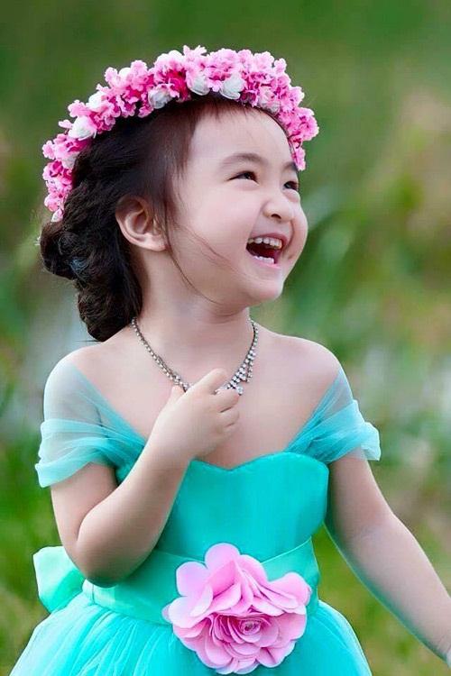 Bé gái 3 tuổi xinh như thiên thần đốn tim dân mạng 1