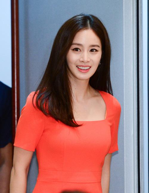 Hé lộ gia thế hiển hách của Kim Tae Hee 2