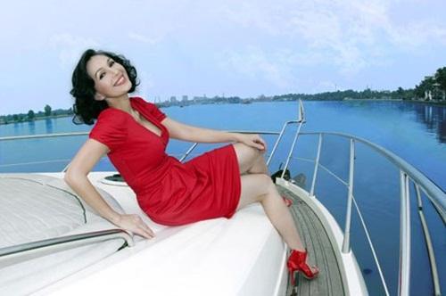 Cuộc sống 'vạn người ước' của Nữ hoàng ảnh lịch Diễm My 6