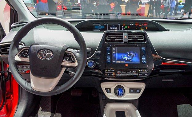 Toyota Prius 2016 siêu tiết kiệm nhiên liệu đến Việt Nam 2
