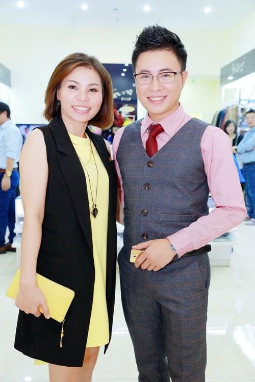 Lê Anh hào hứng hội ngộ dàn MC Hà Nội tại sự kiện 8