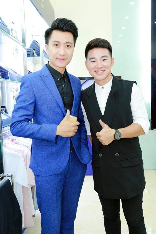 Lê Anh hào hứng hội ngộ dàn MC Hà Nội tại sự kiện 7