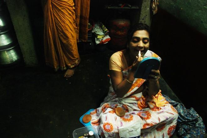 Cuộc sống bí ẩn của người chuyển giới tại Ấn Độ  1