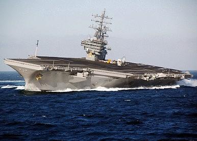 Siêu tàu sân bay Mỹ bị tàu ngầm Trung Quốc lén bám sát 1