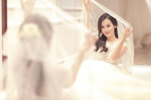Tú Vi - Văn Anh khoe ảnh lễ phục đẹp như mơ trước hôn lễ 1