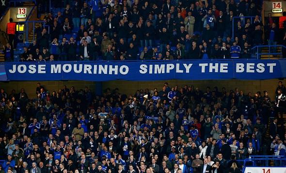 CĐV Chelsea khiến Mourinho cảm động 1