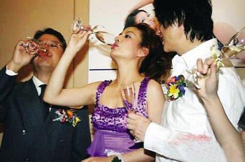 Ngỡ ngàng với cát-xê hầu rượu tiền tỷ của dàn sao Hoa ngữ 1