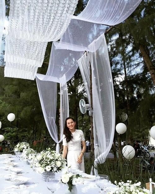 Phan Như Thảo đính hôn cùng chồng cũ siêu mẫu Ngọc Thúy 2