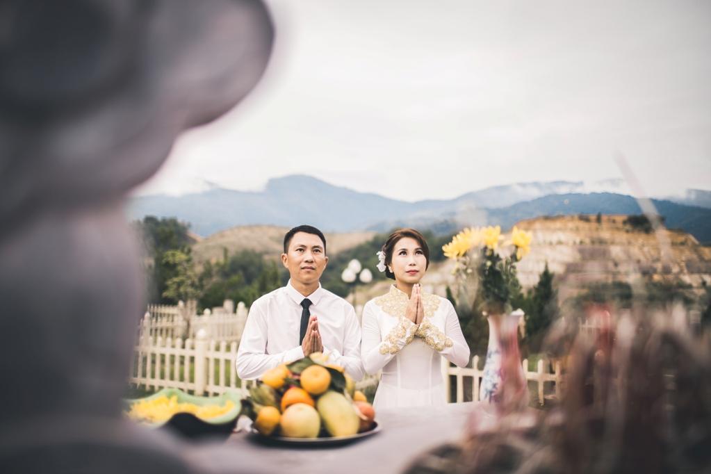 Hình ảnh Bộ ảnh cưới ở nghĩa trang của cặp đôi Hà Nội yêu và kết hôn trong 7 ngày số 4