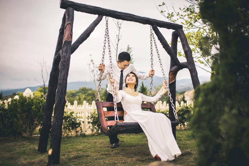 Hình ảnh Bộ ảnh cưới ở nghĩa trang của cặp đôi Hà Nội yêu và kết hôn trong 7 ngày số 7