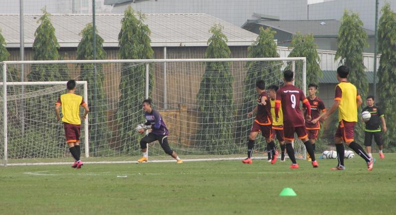 ĐT U23 Việt Nam thiếu vắng nhiều cầu thủ trong buổi tập đầu tiên 3